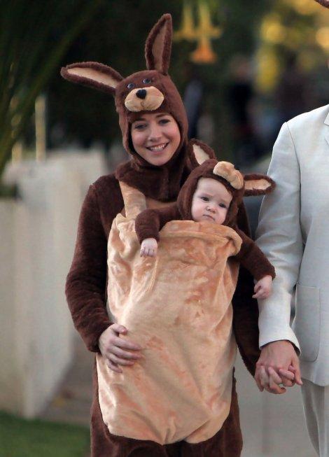 Alyson+Hannigan+Baby+Kangaroo+Halloween+qjdlXKsuUNux