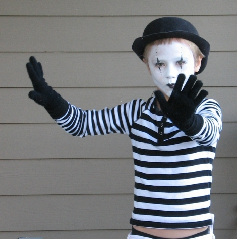 kids-mime-halloween-costume-by-Noel_Zia_Lee