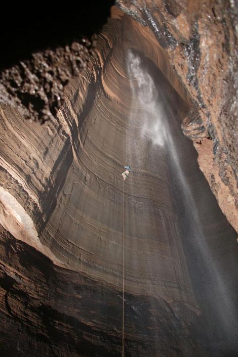 amazing-caves-12-1
